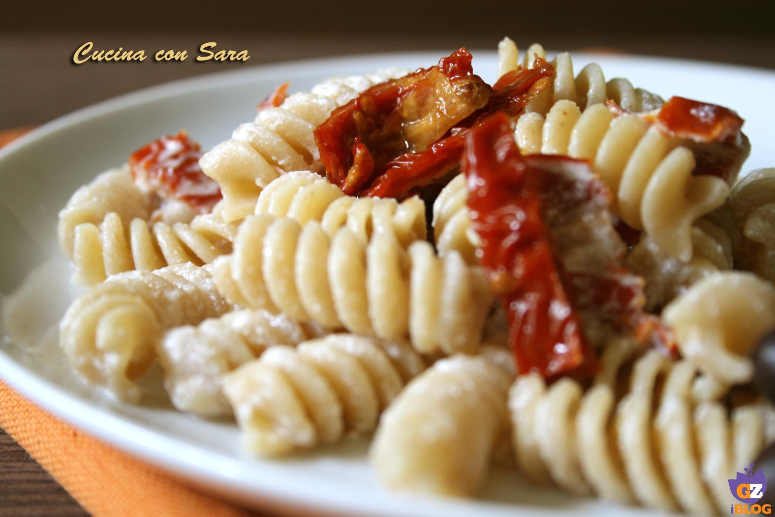 Pasta ricotta e pomodori secchi cucina con sara - Cucina con sara ...