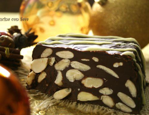 Torrone al cioccolato e mandorle – ricetta semplice natalizia