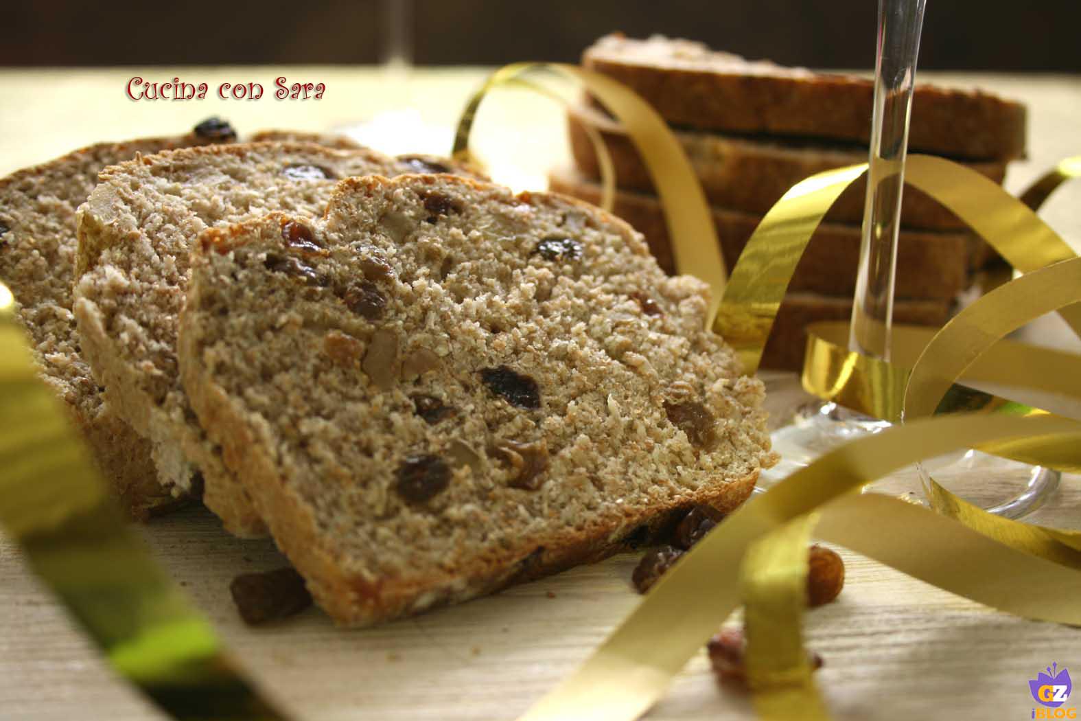 Pane integrale con uvetta e noci, cucina con sara