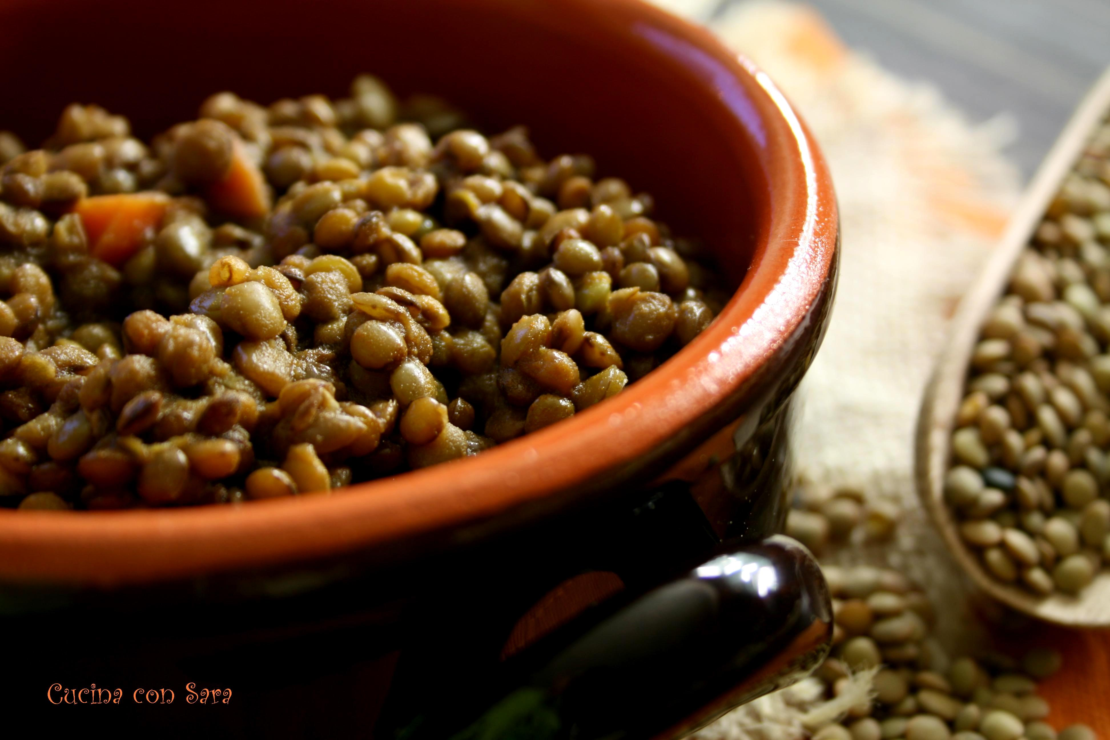 Lenticchie umbre in umido ricetta cucinaconsara - Cucina giallo zafferano ...