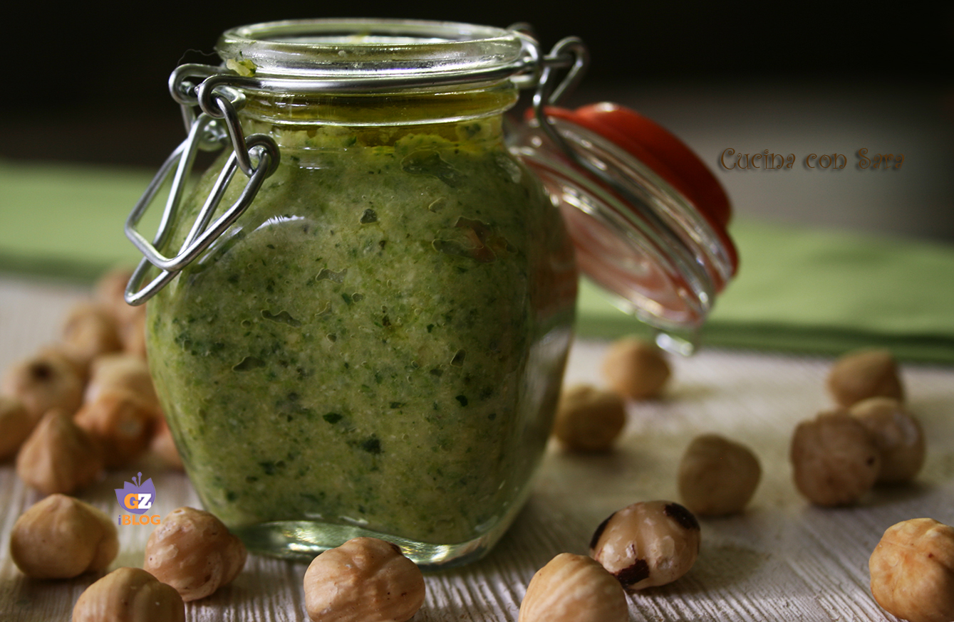 Pesto di zucchine e nocciole - velocissimo e sfiziosissimo