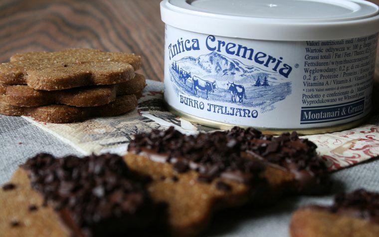 Biscotti di frolla al caffè e cioccolato fondente
