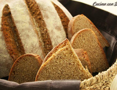 Pane farina di farro e farina di ceci, con pasta madre