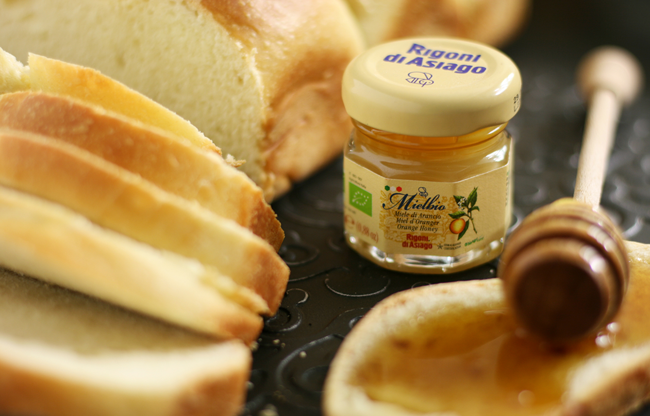 Pane in cassetta, cucina con sara