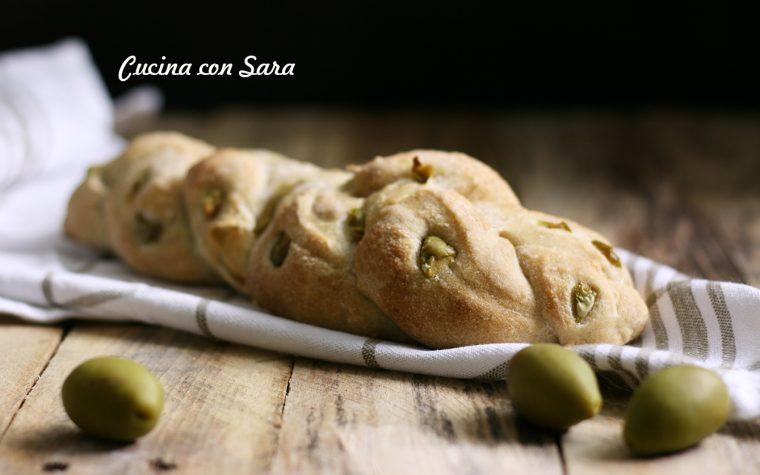 Pan focaccia alle olive, ricetta senza impasto