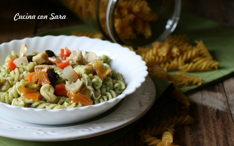 Insalata di pasta con crema di zucchine e verdure
