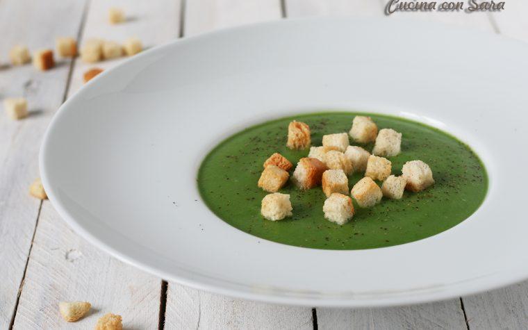 Vellutata broccoli e patate con crostini – ricetta salutare!
