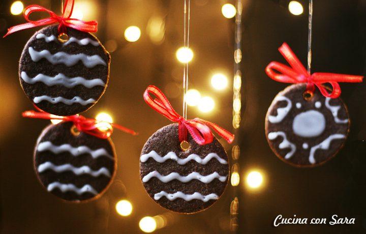 biscotti al cacao con glassa allacqua ricetta natalizia