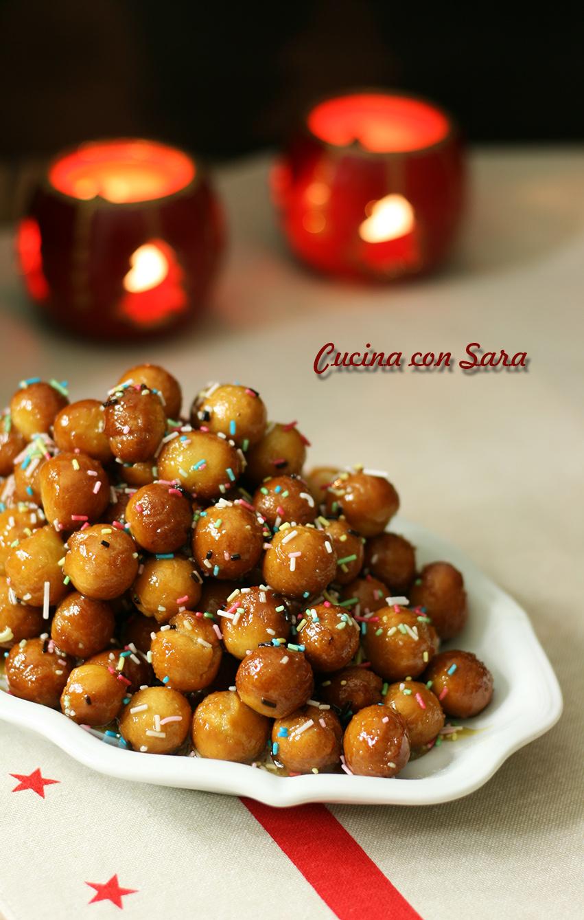 Ricetta struffoli - dolce natalizio napoletano, con video ricetta