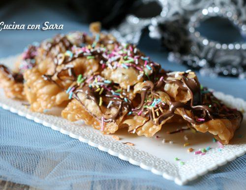 Nastri fritti di carnevale alla nutella