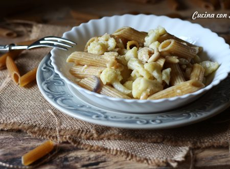 Penne integrali cavolfiori, pinoli e parmigiano – ricetta e video ricetta