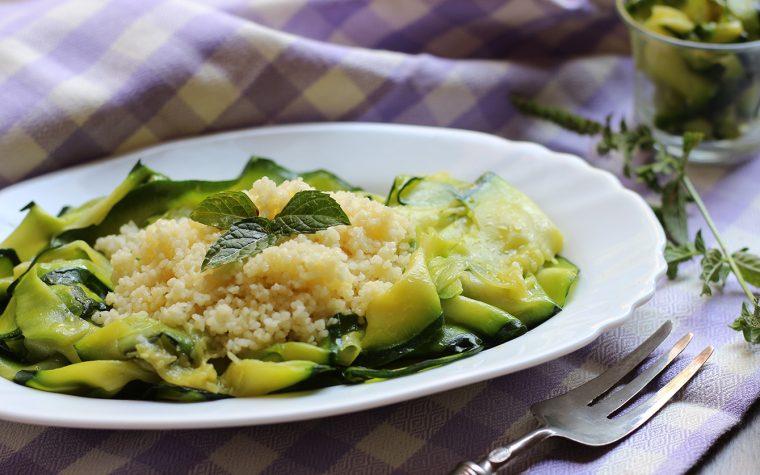 Carpaccio di zucchine marinate e cous cous alla menta