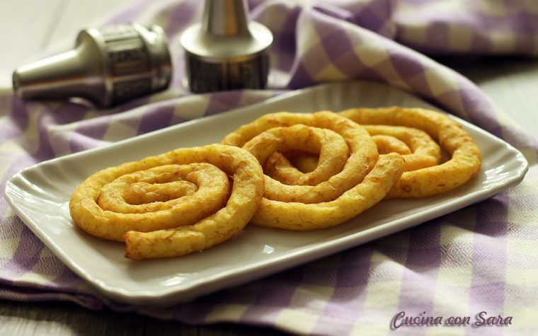 Spirali di patate croccanti e dorate – con video ricetta