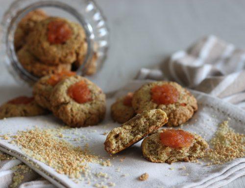 Biscotti di cous cous con cuore di marmellata