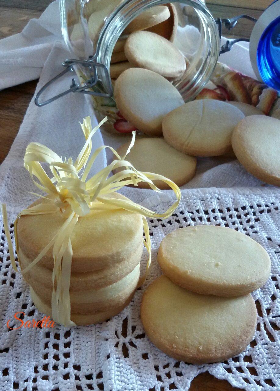 biscotti-semplici-di-pasta-frolla