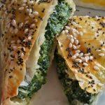 Triangolini di pasta fillo con spinaci e ricotta