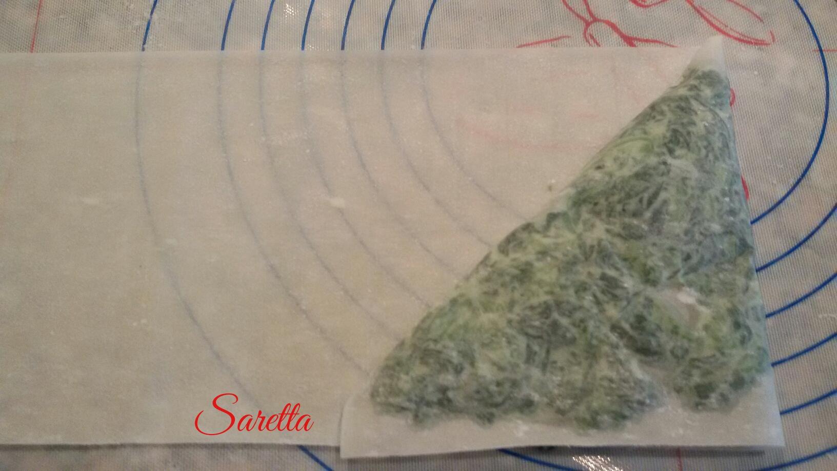 triangolini-pasta-fillo-con-spinaci-e ricotta