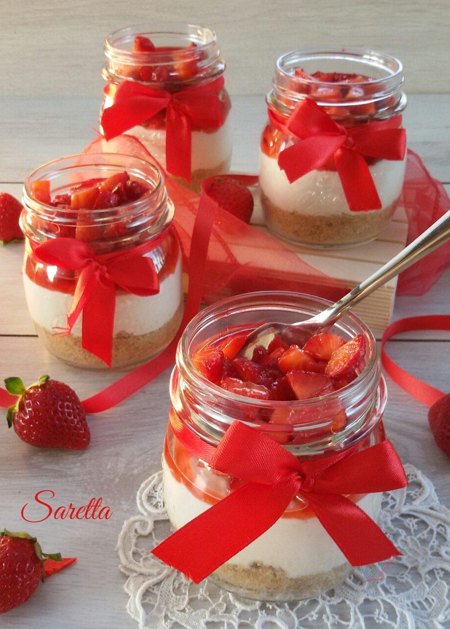 cheesecake al cucchiaio con fragole