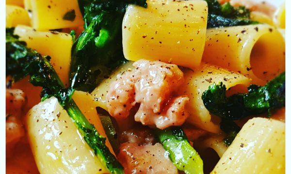 Pasta broccoletti e salsiccia