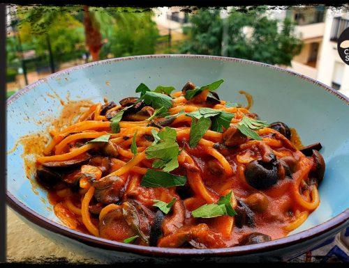 Spaghetti alla Puttanesca Romana