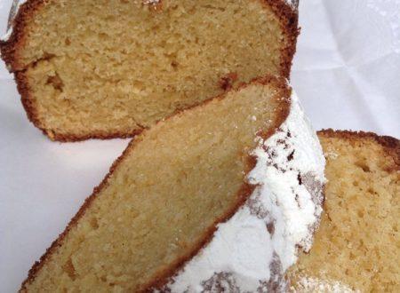 PLUM-CAKE AL MIELE E CANNELLA