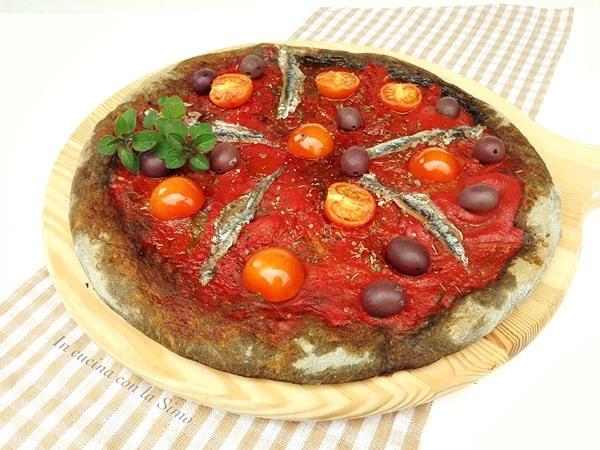 PIZZA AL GRANO ARSO CON ACCIUGHE