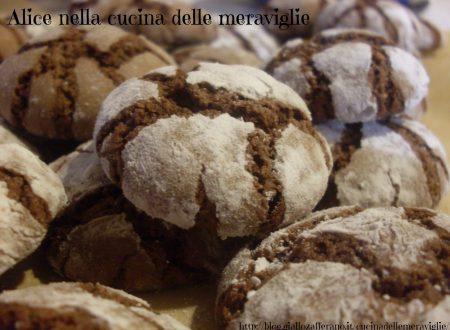 Biscotti al cioccolato e nocciole, ricetta dolce