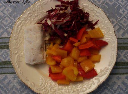 Cuori di nasello con peperoni e insalata, ricetta secondo piatto di pesce
