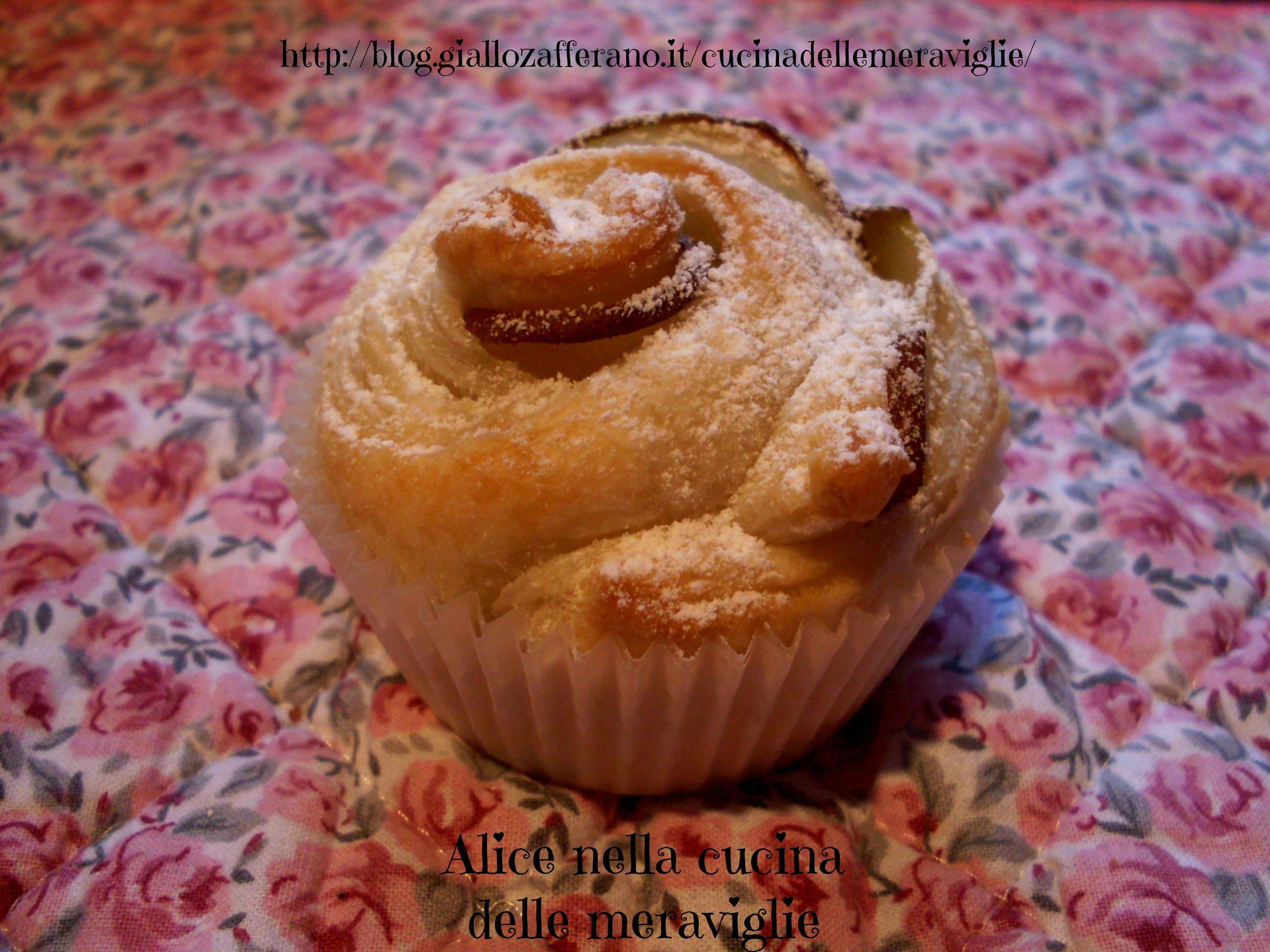 Pasticcini di pasta sfoglia e pere Ricetta dolce Alice nella cucina delle meraviglie