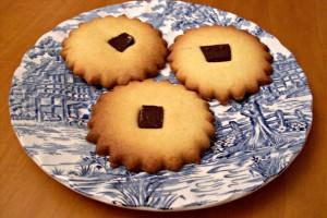Biscotti di pasta frolla con cioccolato, ricetta dolce
