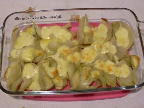 Finocchi al forno con formaggio, ricetta contorno vegetariano