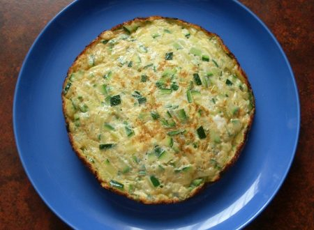 Frittata di zucchine, ricetta secondo piatto vegetariano