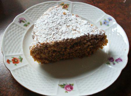 Torta di carote e mandorle, ricetta dolce (senza grassi aggiunti)