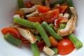 Insalata fresca di fagiolini, pomodorini e tacchino, ricetta secondo piatto
