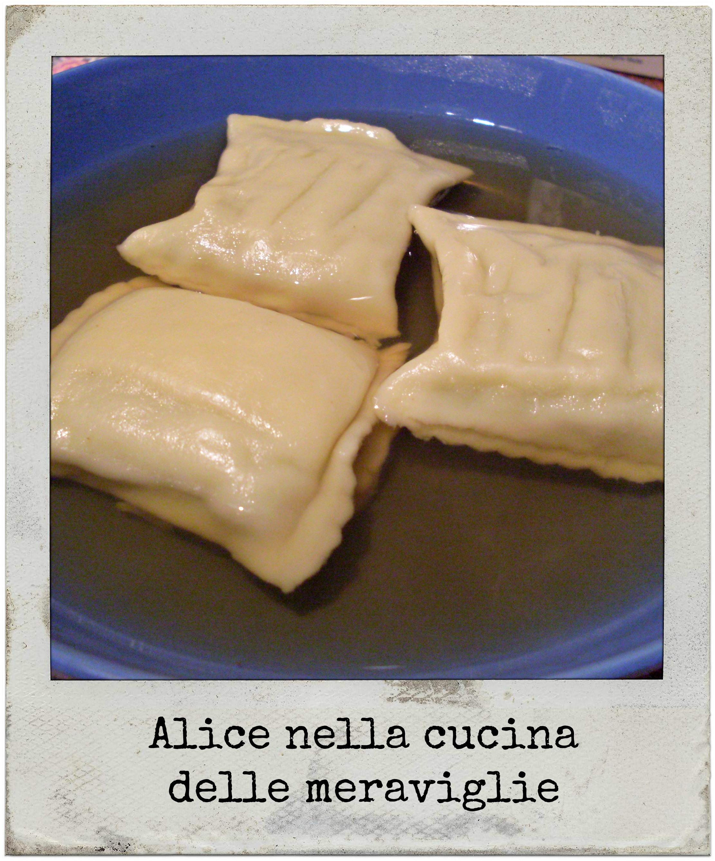 Maultaschen in brodo Ricetta primo piatto tedesco Alice nella cucina delle meraviglie