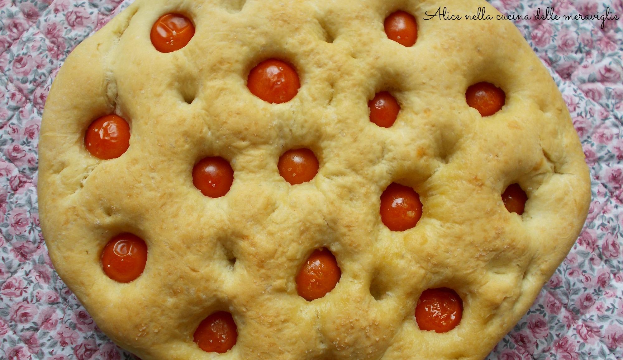 Panfocaccia ai pomodorini Ricetta lievitato salato Alice nella cucina delle meraviglie