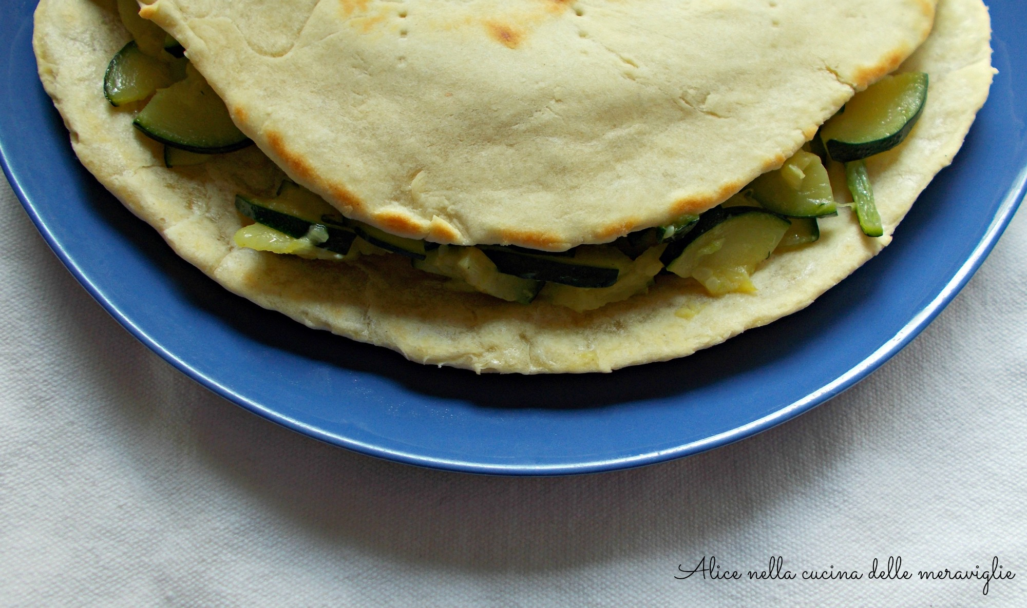 Piadina all'olio con zucchine Ricetta primo piatto vegano
