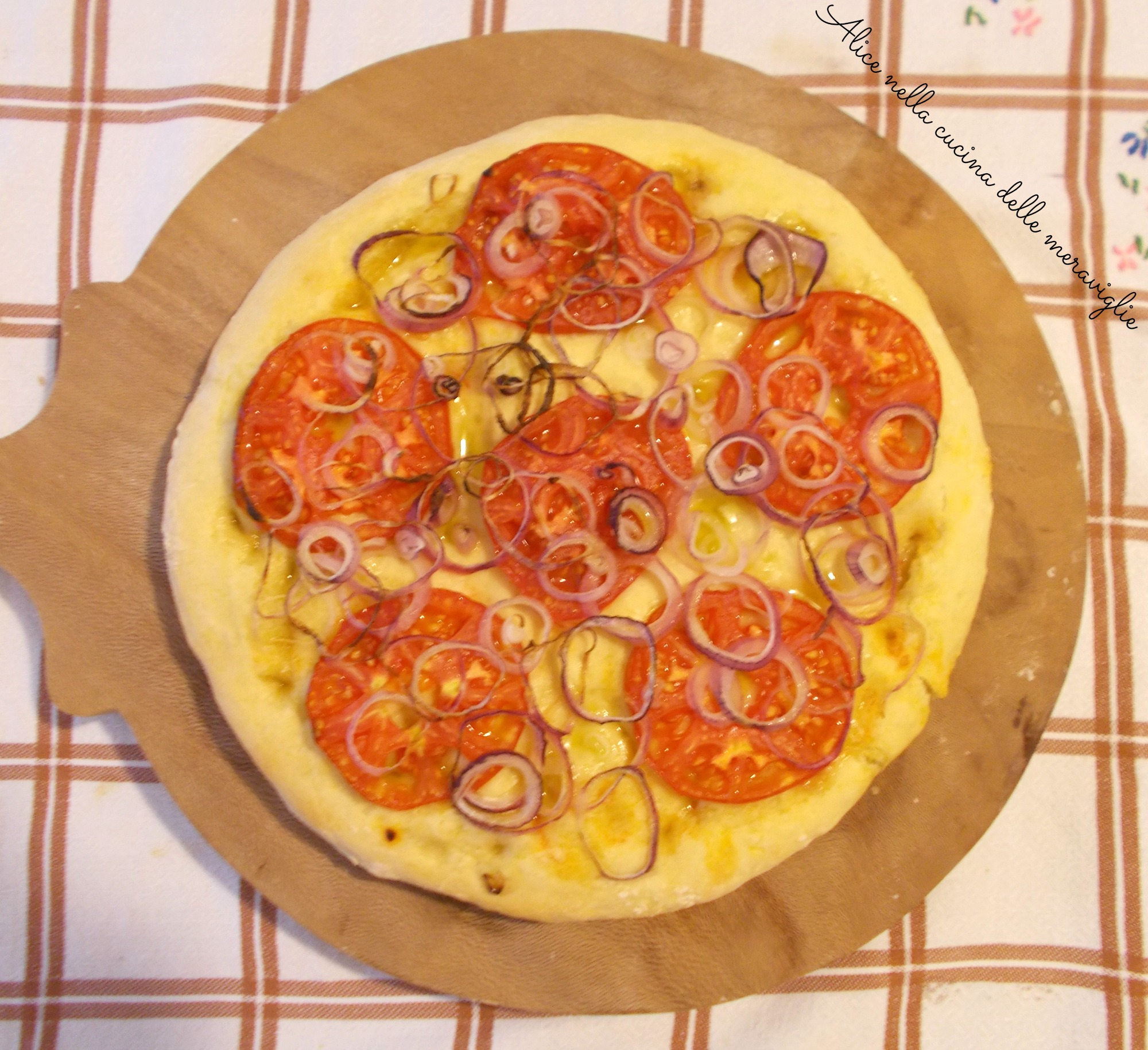 Focaccia con pomodori e cipolle Ricetta lievitato salato Alice nella cucina delle meraviglie