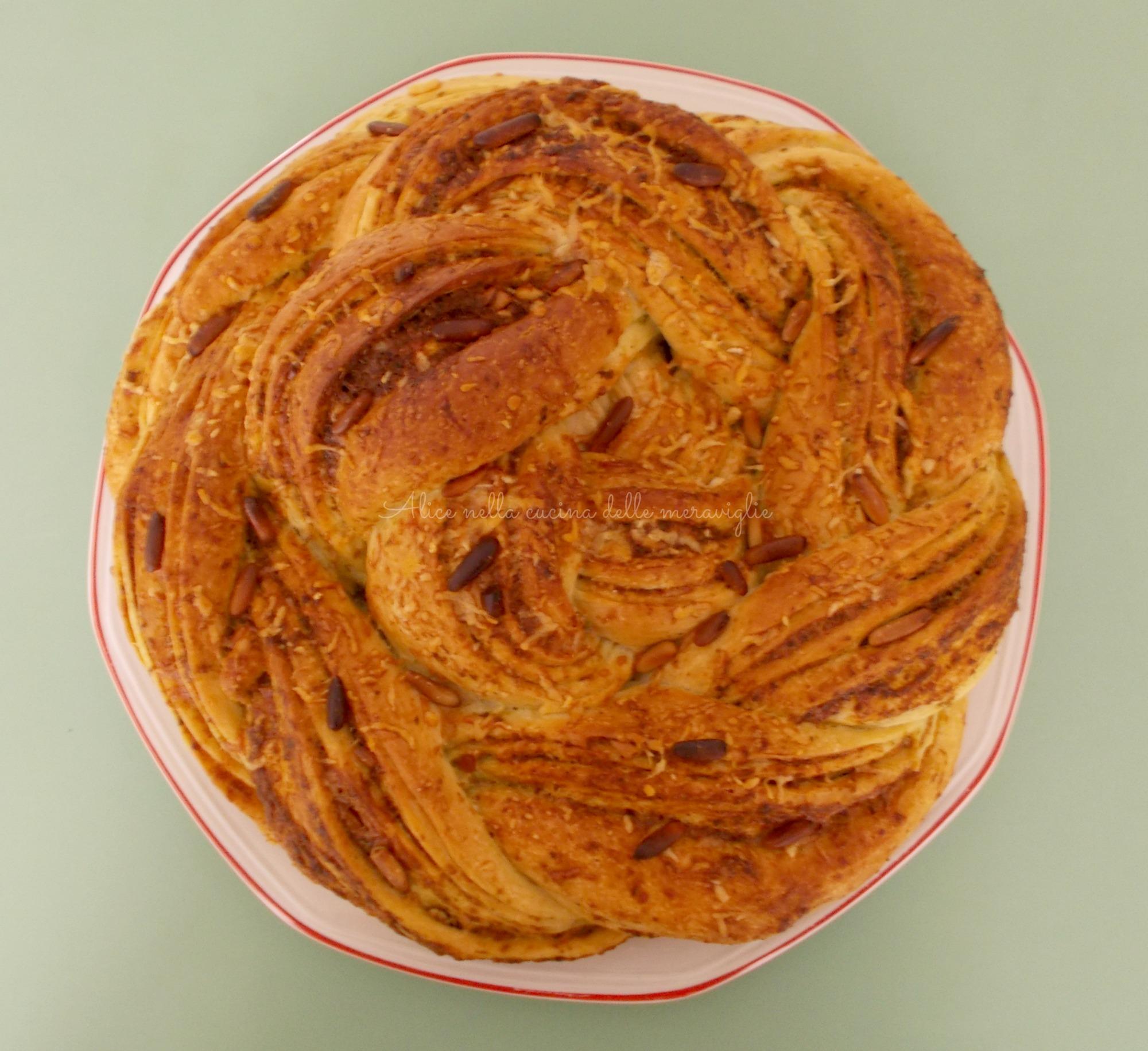 Pane con pesto, grana e pinoli Ricetta lievitato salato Alice nella cucina delle meraviglie