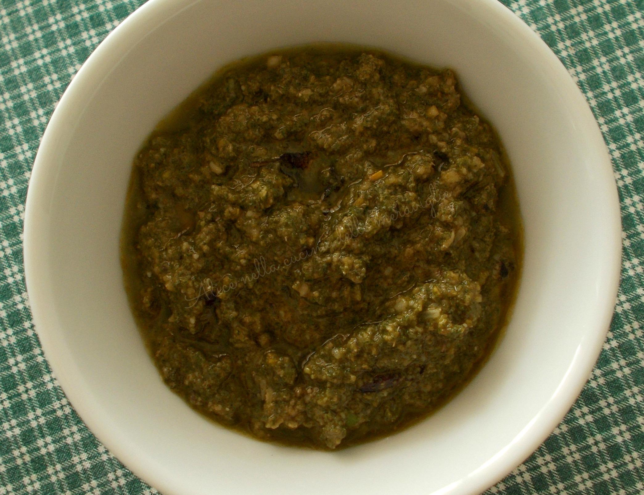 Pesto di salvia Ricetta base vegetariana Alice nella cucina delle meraviglie