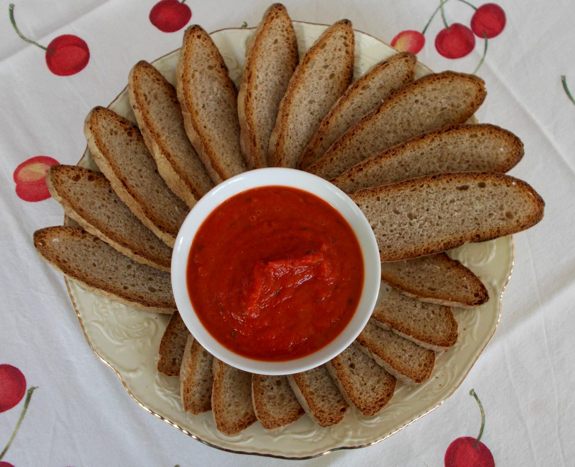Sugo fresco di peperoni rossi e pomodori Ricetta vegana Alice nella cucina delle meraviglie