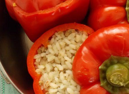 Peperoni ripieni di riso e carne, ricetta con cottura in pentola a pressione