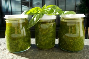 Pesto di basilico, ricetta base vegetariana
