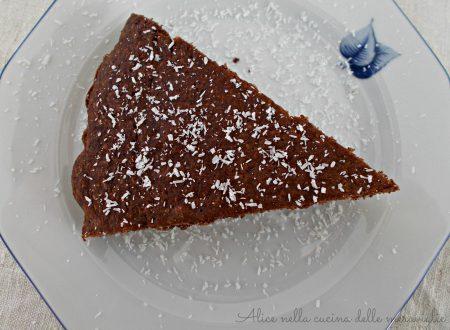 Torta al cacao e cocco, ricetta dolce vegano (senza latticini, senza uova e senza grassi aggiunti)