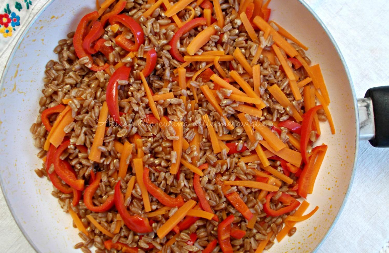 Spadellata di farro e verdure Ricetta primo piatto vegano light Alice nella cucina delle meraviglie
