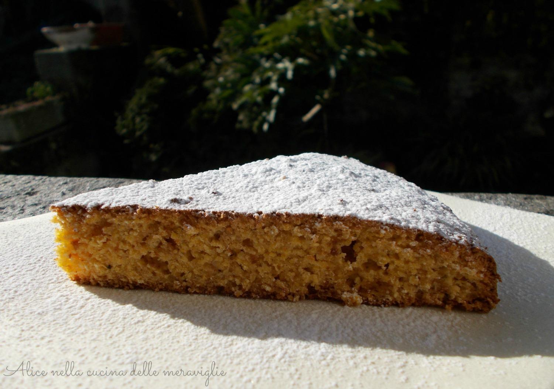 Torta con farina di mais e amaretti Ricetta dolce Senza burro e Senza lievito Alice nella cucina delle meraviglie