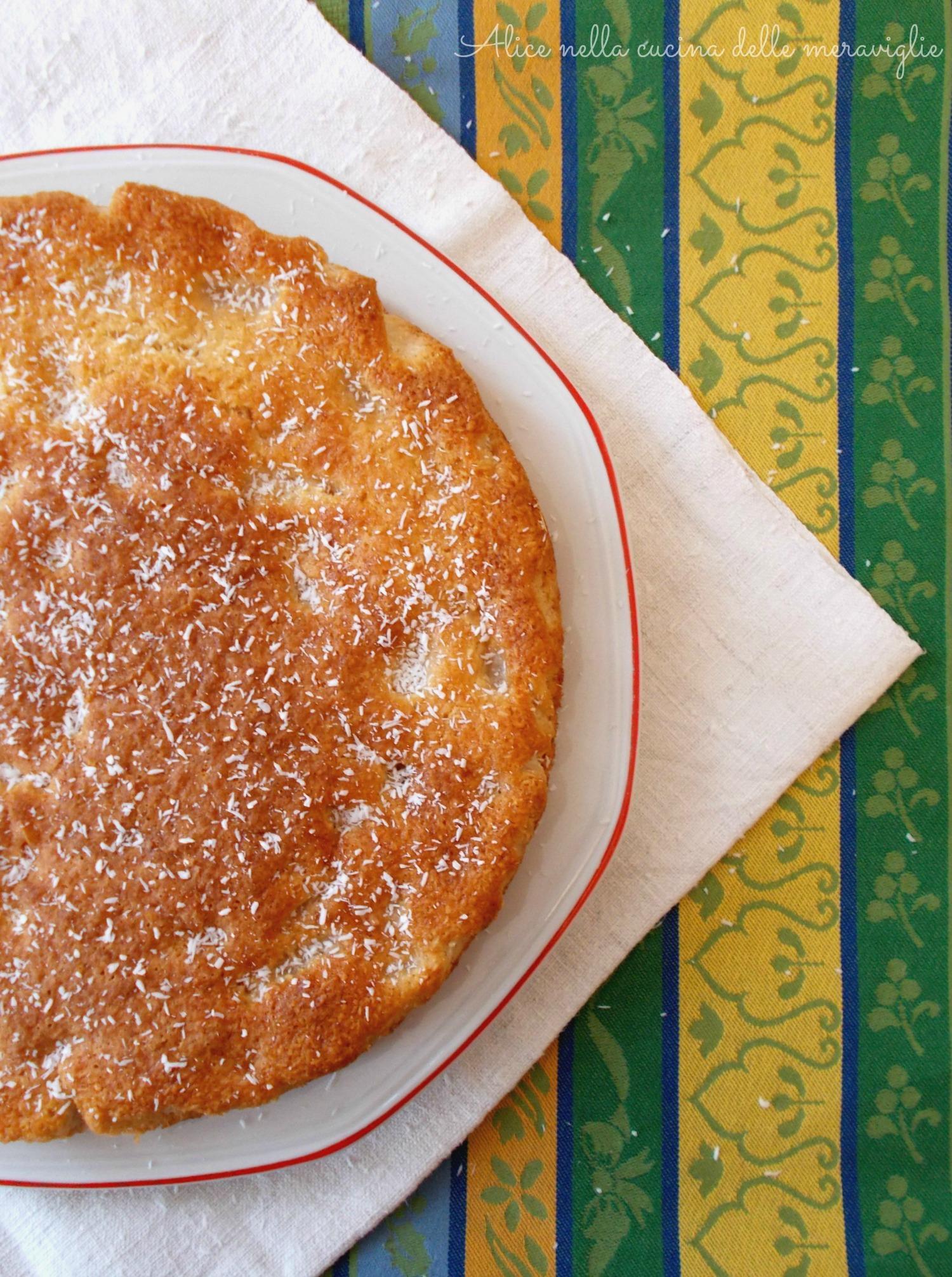 Coconut Pear Cake Alice nella cucina delle meraviglie (2)