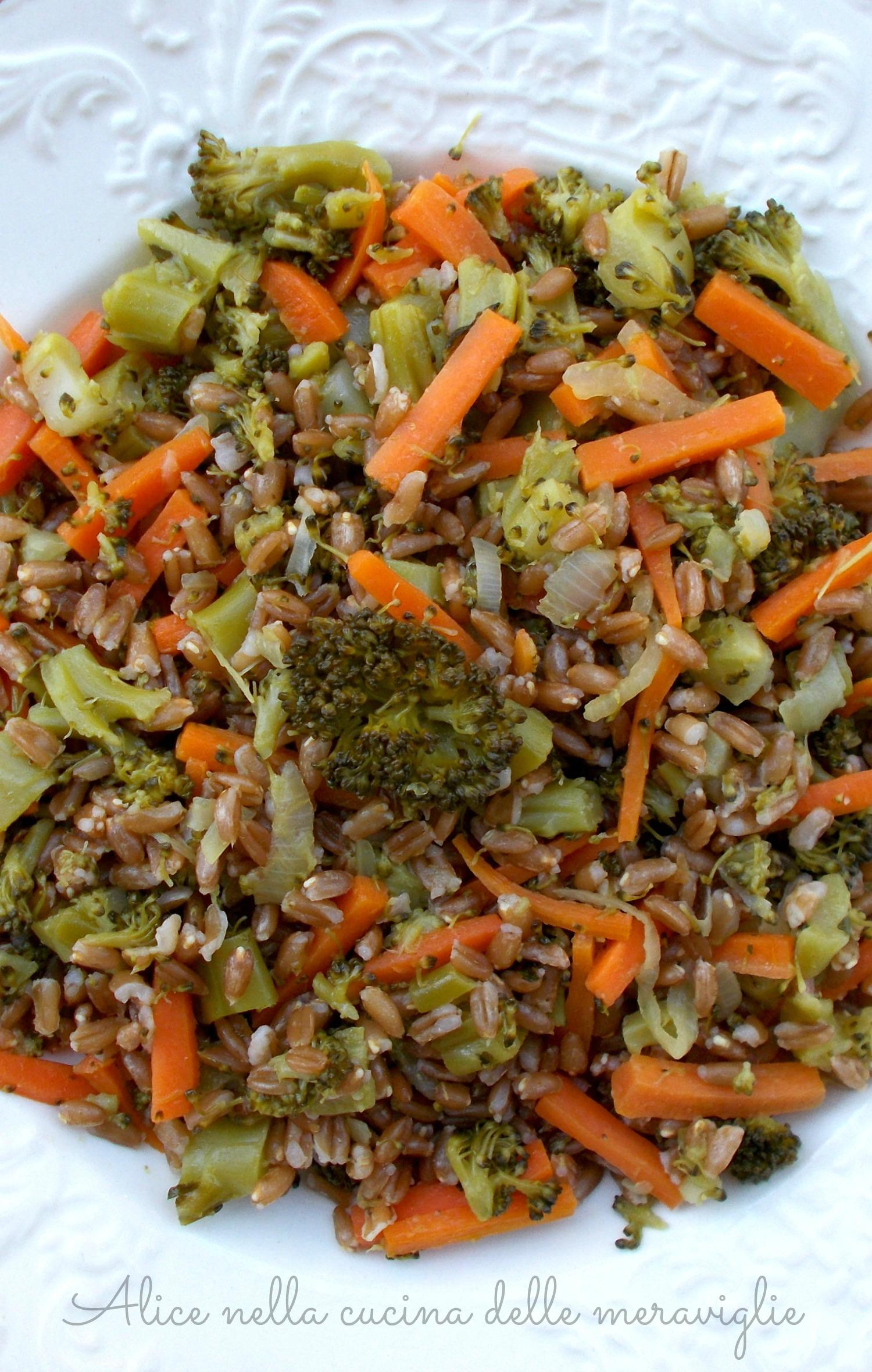 Farro con carote e broccoli Ricetta primo piatto vegano light Alice nella cucina delle meraviglie