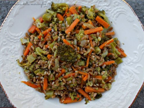 Farro con carote e broccoli, ricetta primo piatto vegano light