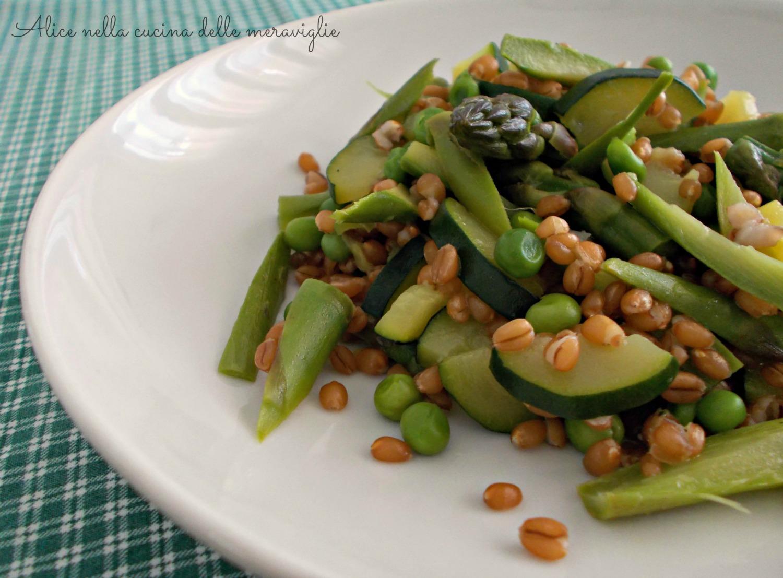 Grano con asparagi, zucchine e piselli Ricetta primo piatto vegano Alice nella cucina delle meraviglie